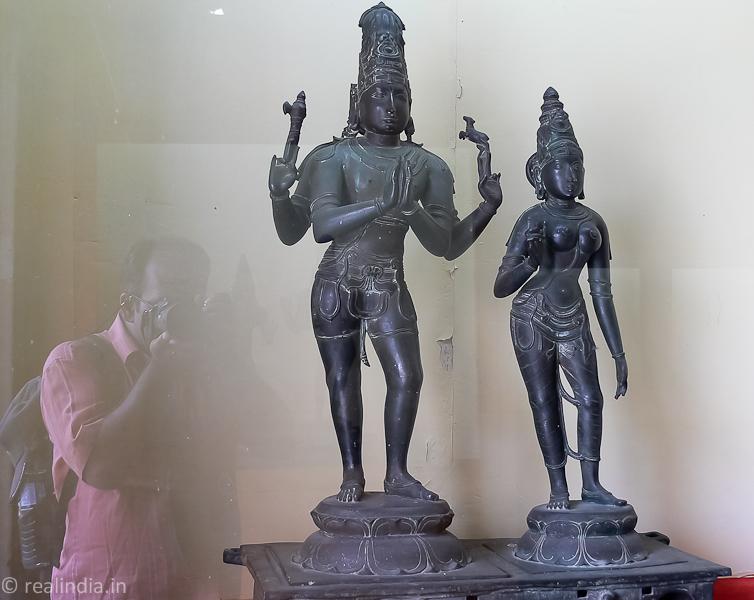 Adhikara Nandhi Provenance: Melayur Period: 13-14th Century CE