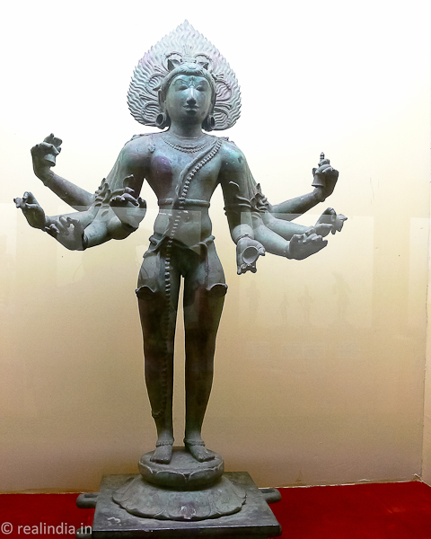 Enthol Mukkan Eemaan Provenance: Tiruvenkadu Period: 11th Century CE