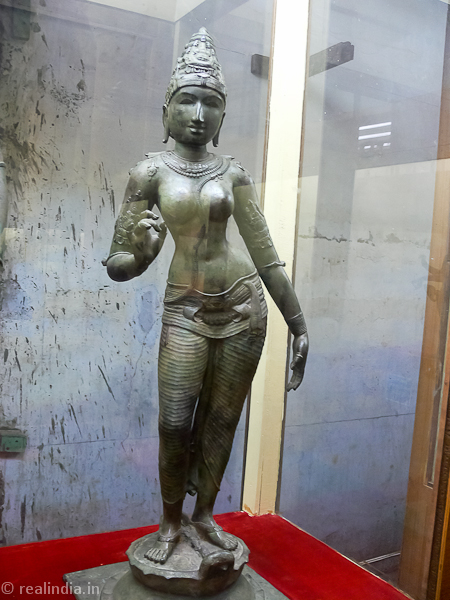 Parvathy Provenance: Tiruvenkadu Period: 11-12th Century CE