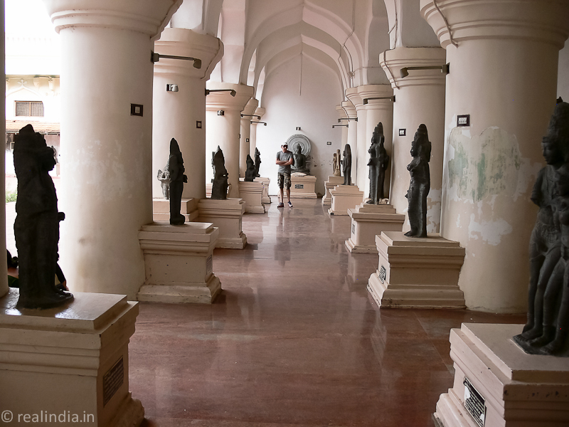 Corridor lined with gods and goddesses